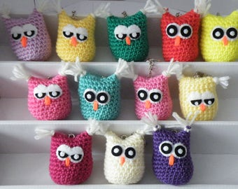 A hand crochet owl keyring in a choice of colours