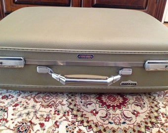 Vintage American Touristor Luggage Tiara Tan/Beige Luggage