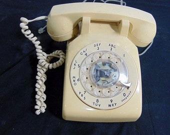 Telephone, Authentic Vintage Phone