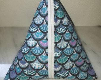 Triangle zipper bag // pouch // black purple blue white