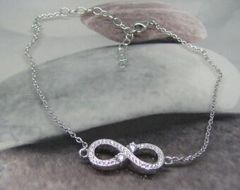 "White bracelet ""Infinity symbol"" Silver 925/1000 oxide of Zirconium. 25% with code: SOLD17"
