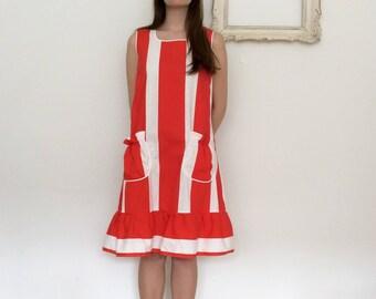 1970's striped dress w. ruffles