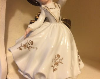 SALE! Musical Lady Retro Vintage 1970s Porcelain Revolving Wind up Shabby Chic Ornament
