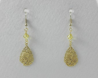 Gold filigree dangle/drop earrings
