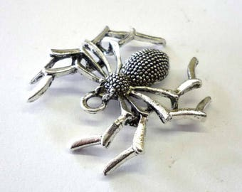 Large Silver Tone Metal Spider Pendant - H390