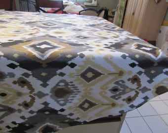 TABLE CLOTH, ROUND  &  Matching Table Runner