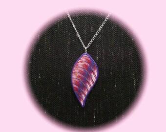 purple-pink pendant, 8 cm high
