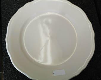 Vintage 1960's Set of 2 Homer Laughlin Restaurant Ware Dinner Plates Pristine!!