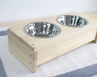 Raised Pet Feeder, Handmade with high quality pine wood, free gift(pet photo in metal), rounded corners