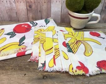 Vintage Table Topper and Napkin Set/Fruit/Cotton/Six Napkins