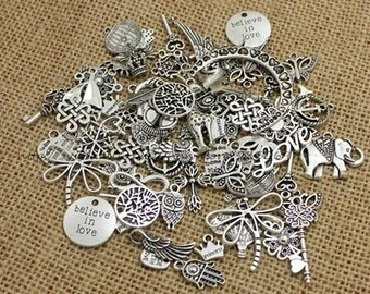 100pcs  Mixed European Charms Tibetan Silver Plated Zinc Alloy Random Assorted Charm Pendants for Bracelets Necklaces Free Shipping World