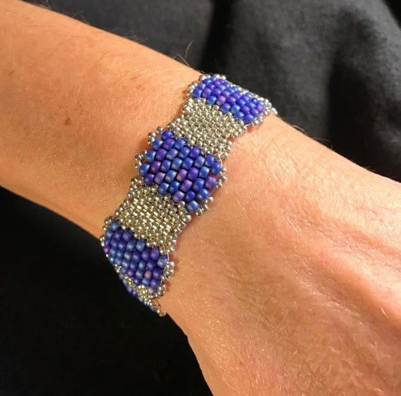 Hand Beaded Glass and Silver Bracelet Infinity Jewelry NO 127