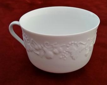 Philippe Deshoulieres Blanc de Blanc Breakfast Cup/Deshoulieres/Blanc De Blanc/Breakfast Cup/Vintage Deshoulieres/Limoges/Limoges France