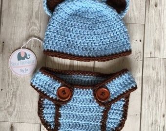 Newborn crochet bear hat and diaper cover set photo prop