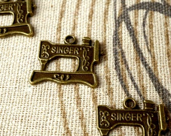 Sewing machine bronze 5 vintage style pendant charms jewellery supplies C112