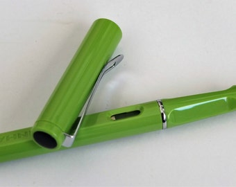 Starter Fountain Pens - Ideal for your Bullet Journal, Jinhao, Bright coloured fountain pens, Budget Fountain pens.
