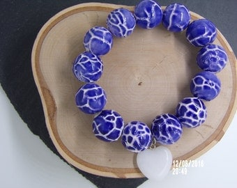 B1225 Ceramic Blue and White Crackle Bracelet.
