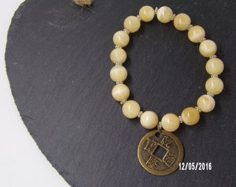 B1229 Yellow Agate Beaded Bracelet with Chinese Good Luck Charm.