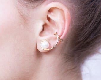 18-carat gold Pearl ear Cuff