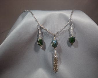 Glass bead necklace and earrings
