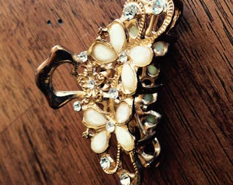 Guilded and jeweled hairpin