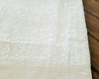 Handmade Silk Embriodered Bedspread – White Jewel – QUEEN/KING