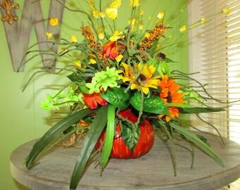 Floral arrangement, Fall centerpiece, pumpkin decor, Sunflower decor, Thanksgiving decor, centerpiece, fall wedding centerpieces, Autumn