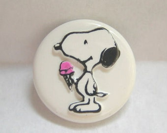 Snoopy eating Ice Cream Cone Sewing Button Peanuts Gang Charles Schulz
