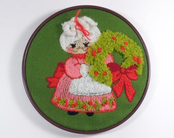 Vintage Christmas embroidered Mrs. Claus needlepoint art, handsewn, wall hanging, embroidery hoop-vintage Christmas decor,yarn art,1970's