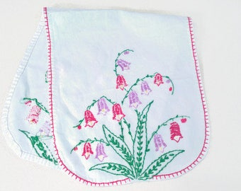 Vintage Embroidered Linen Doily/Tray Cloth