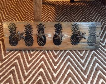 Pinapple hook rack
