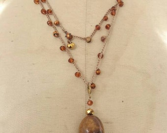 Long necklace with crystals and agate. Agate and Ceramic Pendant