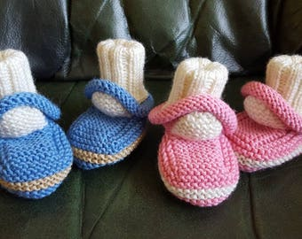 Knitted baby booties cars