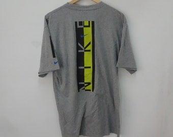 Nike chemise Vintage Nike Nike Just Do It Swoosh de Nike Tee gris Nike gros épeler T Nike Skateboard Vintage T pour homme taille L