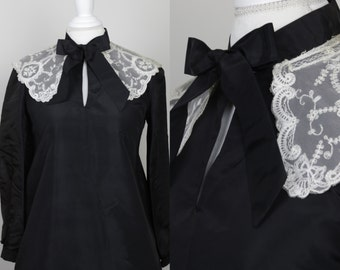 Romantic Vintage Maternity Dress Coat with Lace Collar