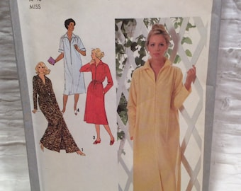 Simplicity nightgown, robe pattern, uncut, with directions
