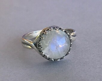 Natural Moonstone Crown Ring, Sterling Silver Round Moonstone Cabochon Stone Oxidized Engagement & Promise Crown Solitaire Ring