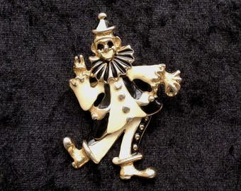 A Vintage 1950s Clown Brooch/Pin with moving/swinging legs