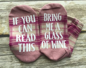 If you can read this bring me a glass of wine in pink plaid