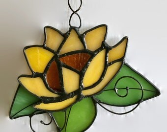 Stained glass lilly pad flower sun  catcher tiffany home decor