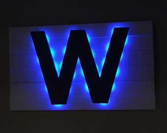Light-up Chicago Cubs W Flag