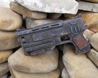Radioactive weapon Gun 10 mm rusty pistol 3 post apocalyptic falllout fall out