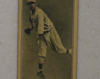 1916 m101-5 Babe Ruth with Autographed Back