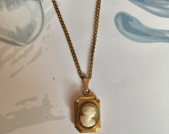 Victorian Cameo Gold Locket
