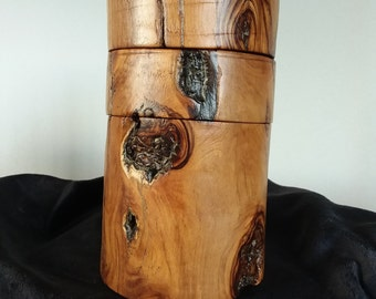 Candle holder in wood of olive / Candleholder in Olive Wood