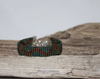 Bracelet, woven cuff of fine pearls of rockery 10/0