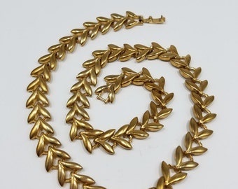 Incredible Gold Tone Leaf Motif Chain Style Necklace, Unmarked, Renoir Style