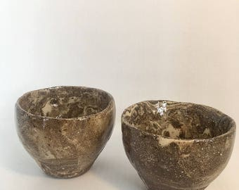 Set 2 sandy chocolate brown stoneware ceramic cups