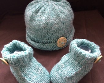 Hand knitted baby gift set Hat and booties