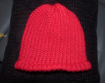 Round loom knitting Red cap